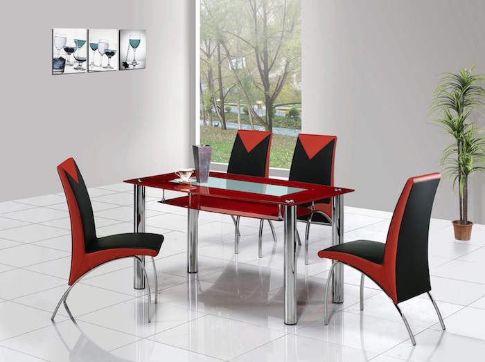 Table De Salle A Manger En Verre Et Chaises Rouge Et Noir Sur Carrelage  Blanc