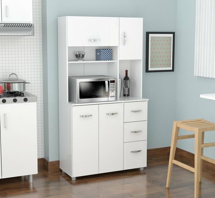 tiroir de rangement, amenagement interieur, rangement placard cuisine, meubles blancs, sol recouvert de parquet en nuances marrons et noires