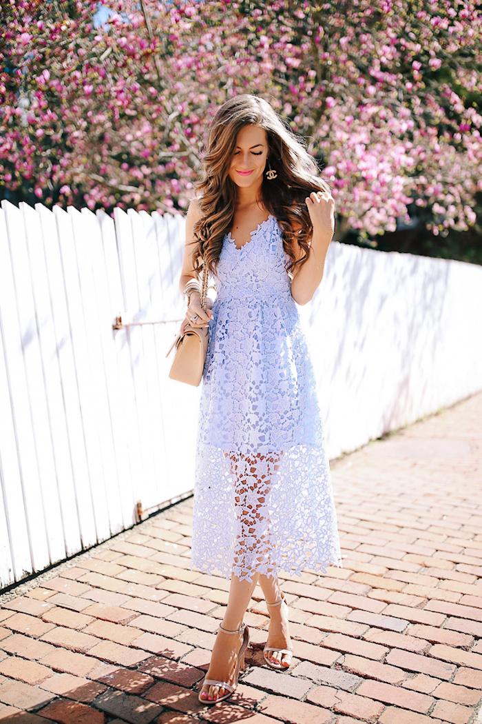 Robe pour invité mariage simple et chic tenue mariage comment s'habiller robe dentelle mi longue robe bleu pale