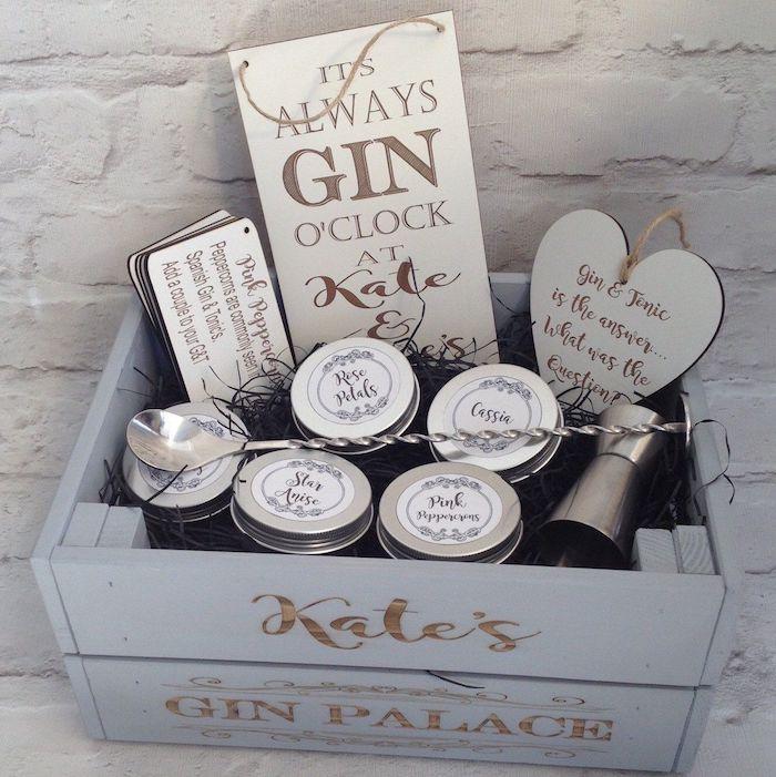 Idee cadeau couple cremaillere party gin coffret soiree avec amis cool idee pour cadeau