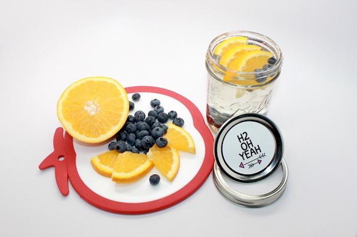 Jus de citron pour maigrir du ventre boisson détox pomme boisson detox citron myrtilles eau infusé