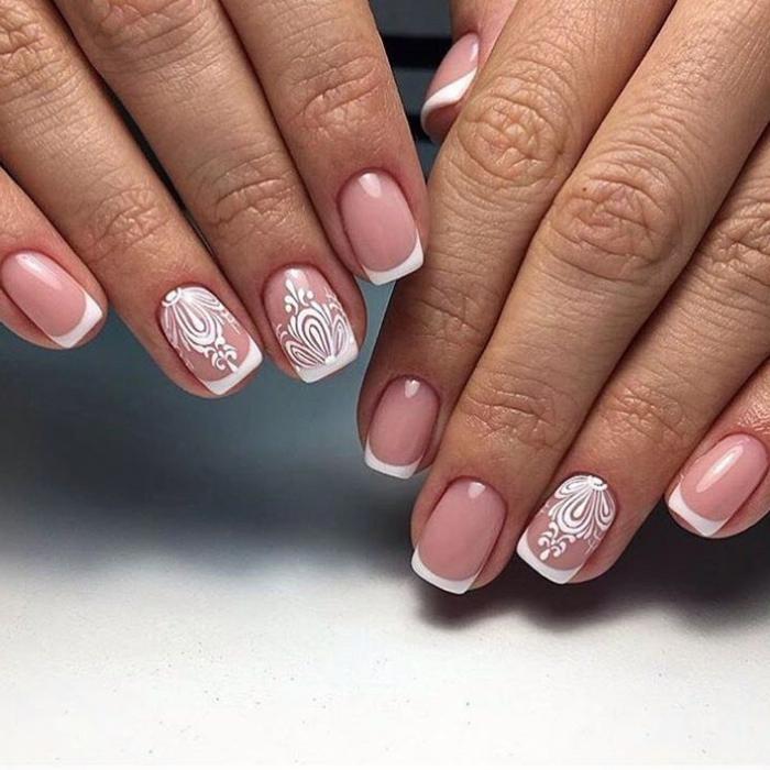 nail art sophistiqué en deux couleurs douces pour le jour du mariage, ongles moyens carrés