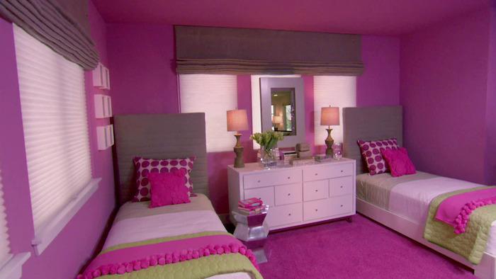 deco peinture chambre pour jumelles filles avec moquette et murs fuchsia