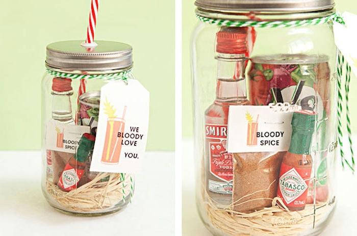 cadeau pour la fete des peres, produits pour relever un plat, pot rempli de produits piquants