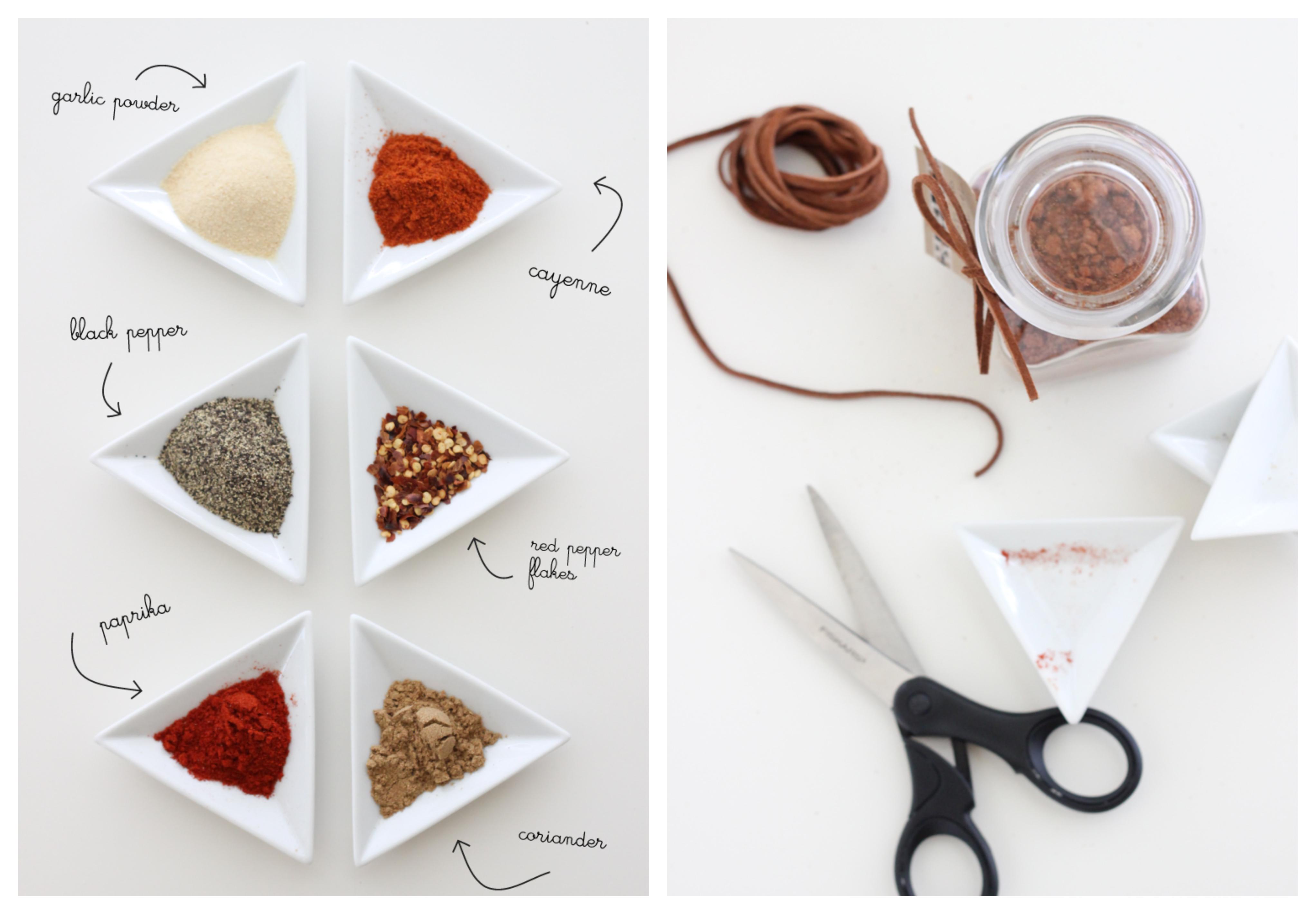 idée d ingrédients barbecue pour viande poulet, boeuf et porc dans un pot en verre hermétique, cadeau fete des peres original