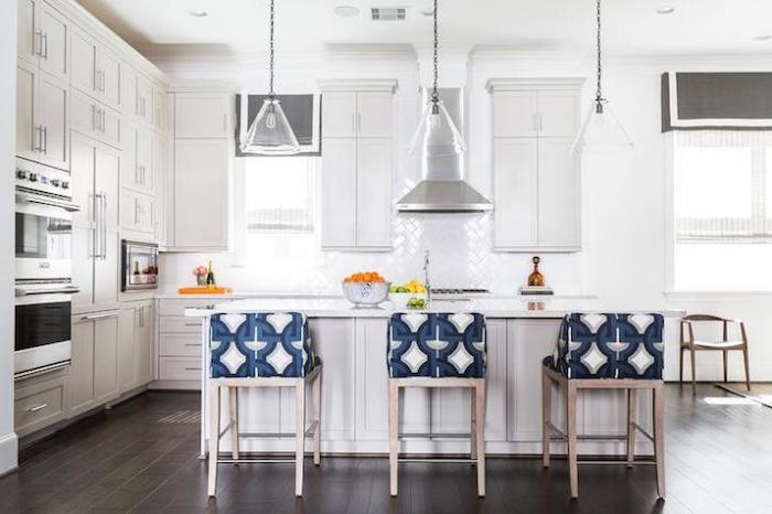 Aménagement studio 30m2 décoration d intérieur style appartement beau cuisine avec ilot de cuisine blanche
