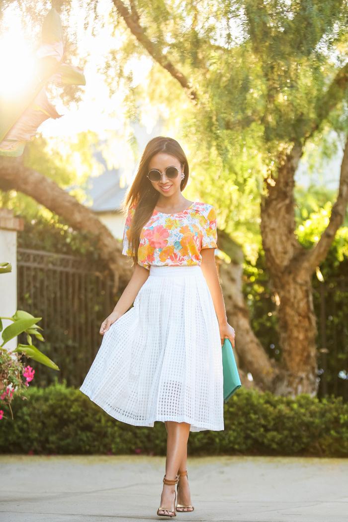 Tenue invitée mariage occasion spéciale robe habillée femme style jupe blanche top fleurie