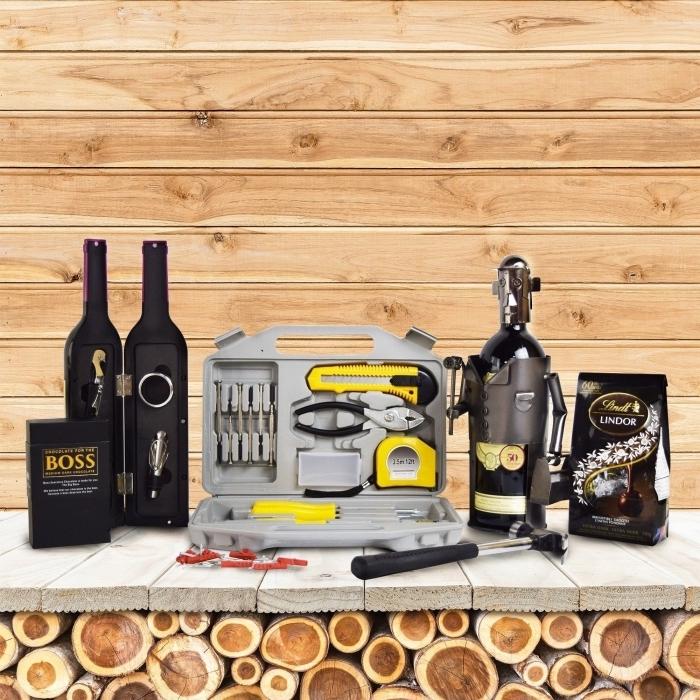choisir des outils et accessoires fonctionnels comme un cadeau pour son papa, kit de tournevis et outils de bricoleur