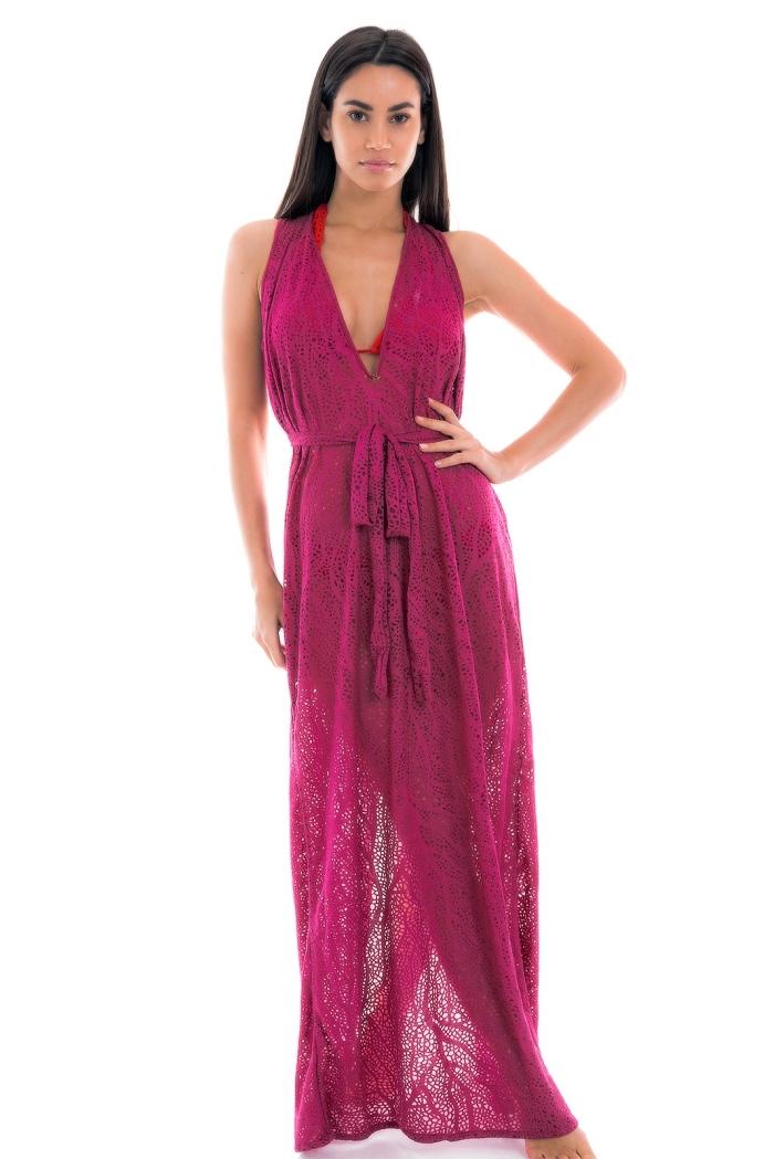 idée quel pareo plage ou kimono de plage choisir, modèle de vêtement été femme de couleur fuschia avec maillot de bain rouge