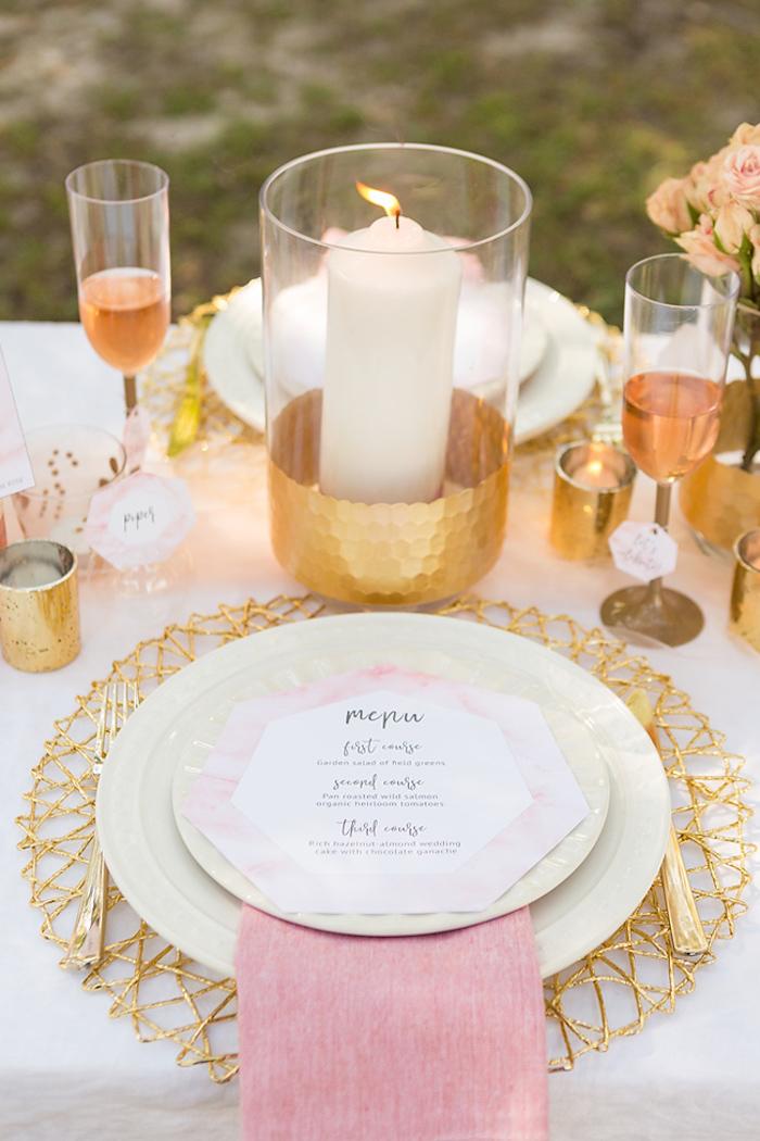 Menu de mariage décoration salle de mariage deco table mariage champetre mariage rose et doré