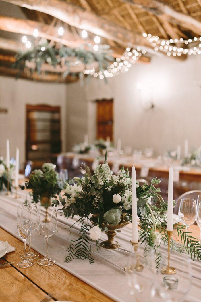 Porte menu mariage décoration salle de mariage deco de table mariage salle de mariage laique