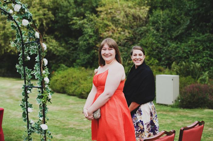Invitée à un mariage tenue robe de soirée pour mariage image femme