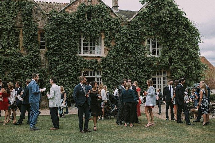 Robe ceremonie femme idée comment s'habiller mariage photo inspiration jardin mariage