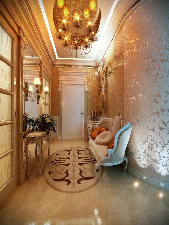 hall d'entrée avec meuble entrée couloir console baroque, sofa baroque en blanc, plafonnier chic glamoureux, papier peint avec motifs floraux