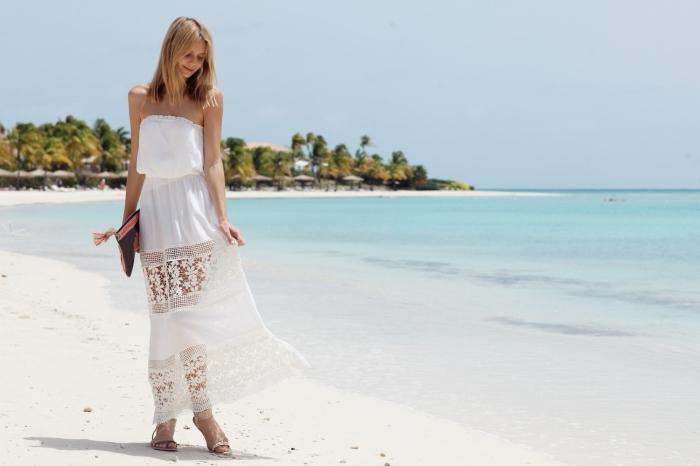 robe femme ete avec bustier et jupe brodée aux motifs floraux et géométriques à porter avec une pochette boho chic