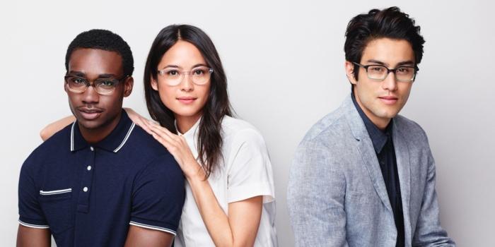lunette de vue tendance, monture de lunette, lunettes de vue homme tendance, deux modèles de montures hommes et une monture pour femme transparente en blanc