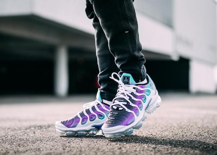 nouvelle basket homme Nike VaporMax Plus Blanc Violet corail style été 201!
