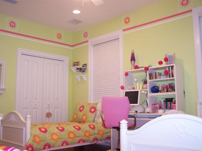 chambre pour enfant vert pistache lit blanc pour enfants jumeaux