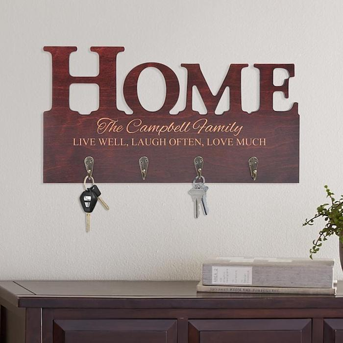 Crémaillère fete cadeau humoristique simple idée appartement cosy emmenagement cadeau porte clé maison
