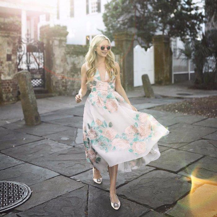 Superbe robe chic pour mariage cool idée tenue mariage simple robe de poupee fleurie