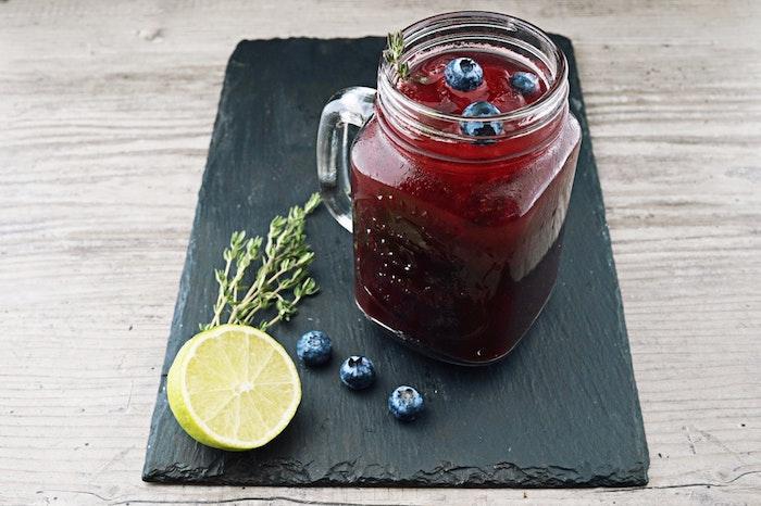 Désintoxication du corps detox fruits rouges boisson recette riche en antioxidants boisson detox minceur idee boisson