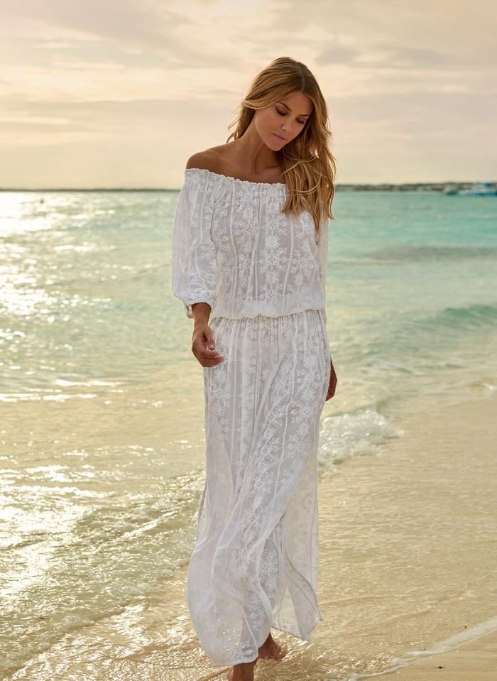 modèle de robe longue aux manches longues et épaules nues à design broderie, idée vêtement plage femme