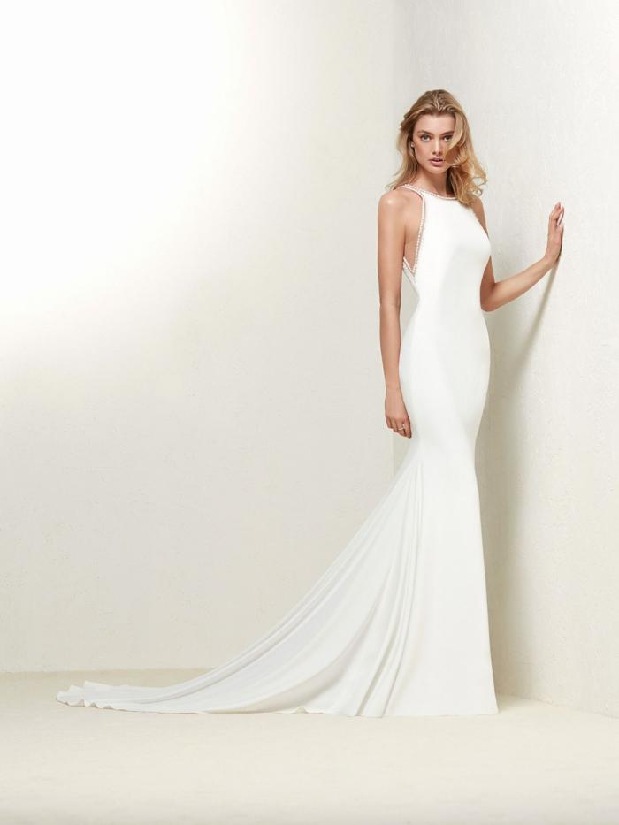 robe de mariée bustier, robe mariée fourreau, robe mariage sirene, silhouette sublime, robe sirène dentelle, épaules aux grandes échancrures