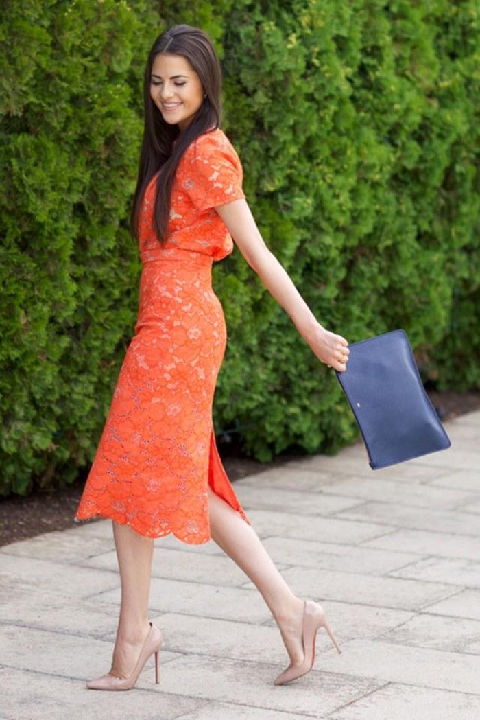 Orange robe dentelle choisir à porter une belle robe pour le mariage thématique tenue habillée orange chaussures beige