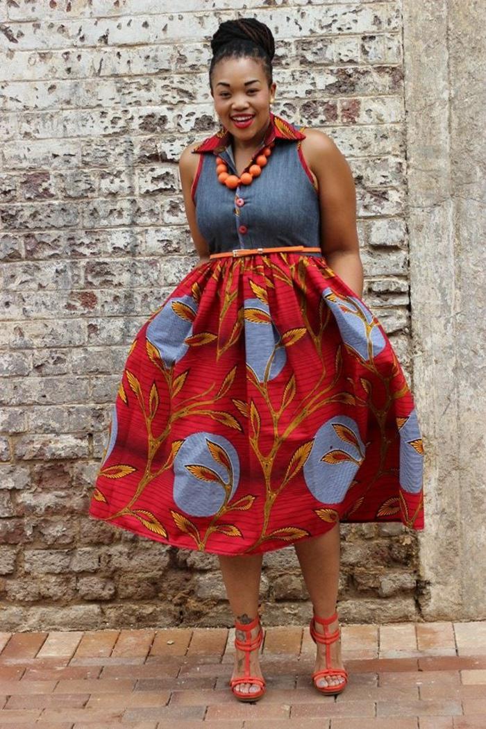 comment porter la robe pour femme ronde, robe évasée style africain, gros collier boules