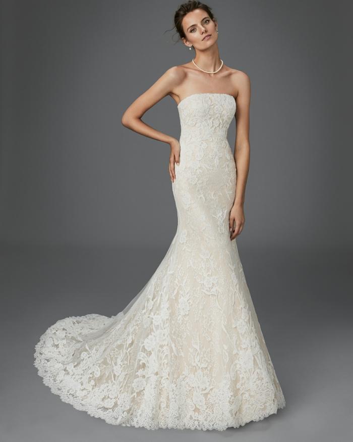robe de mariée bustier, dentelle écru, traîne moyenne, robe mariage sirene, silhouette élancée, robe mariée fourreau, robe sirène dentelle