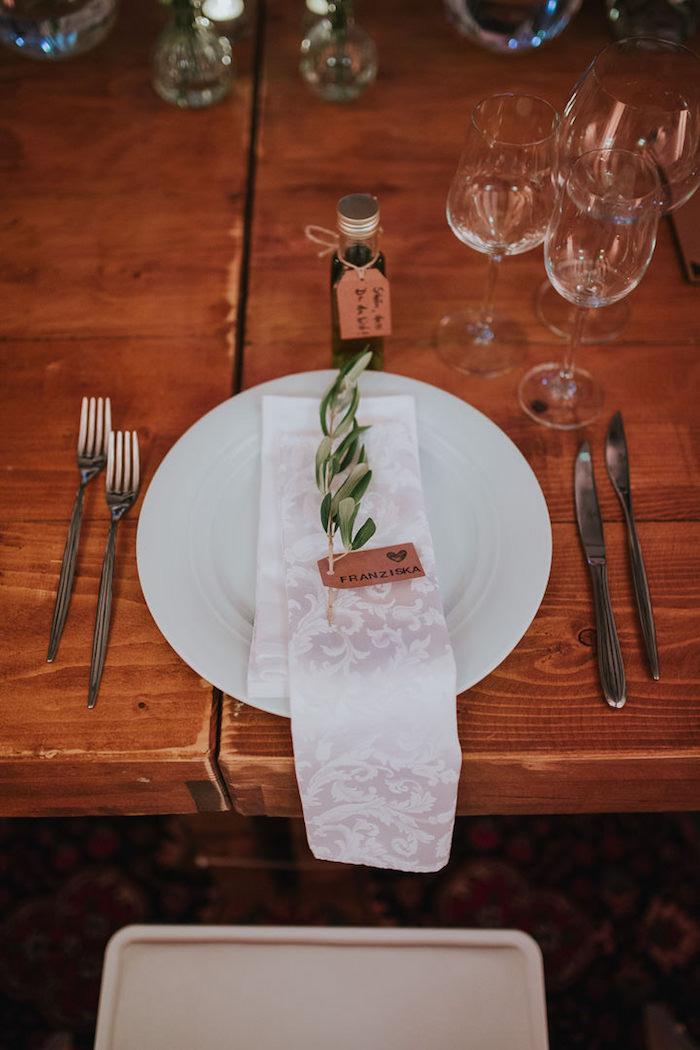 Idee deco mariage menu mariage table déco chouette mariage idée déco assiette ronde