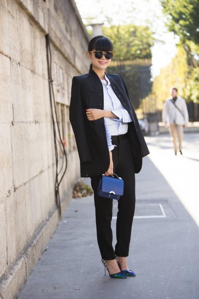 modèle de tenue entretien d embauche femme au pantalon et blazer loose noir combinés avec chemise bleu très clair