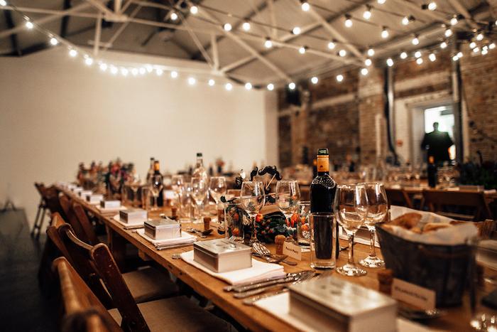 Deco de table mariage menu mariage déco mariage civil idée simple et chic table longue
