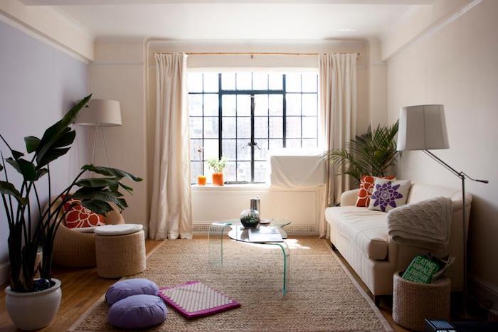 Décoration d'intérieur aménagement petit studio chouette idée pour salon moderne simple déco salon coin lecture coussin de sol