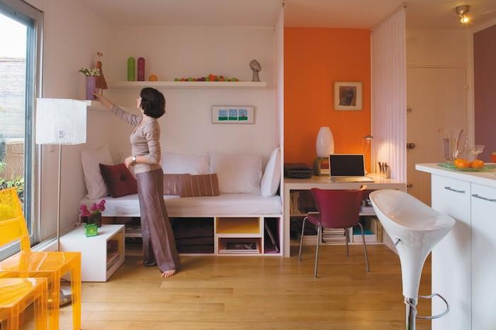 Appartement design idée déco studio appartement deco stylee salon orange coin bureau cuisine et salle de séjour