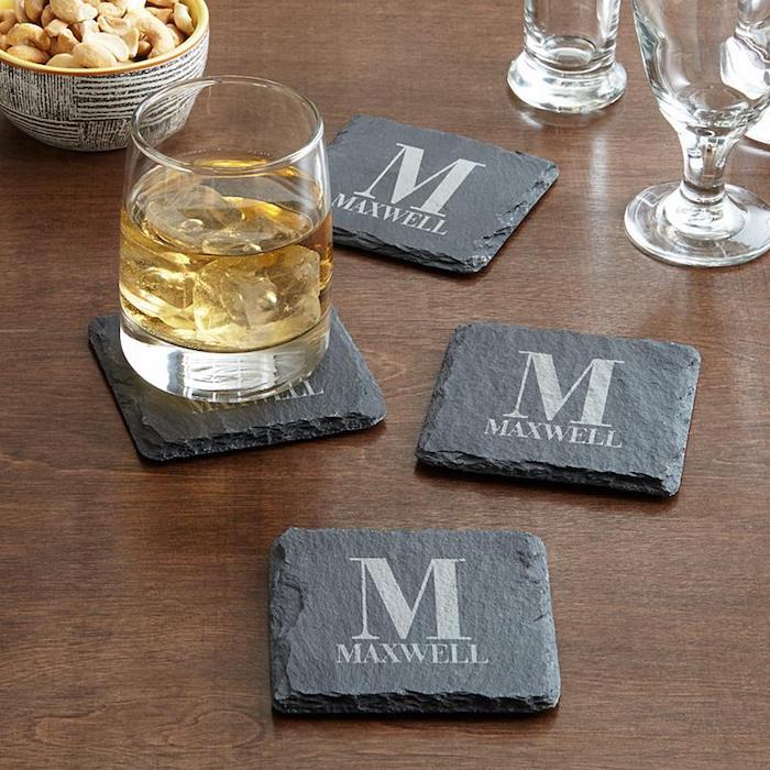 Chouette idée petit cadeau pendaison crémaillère cadeau utile et mignon tapis tasse monogram