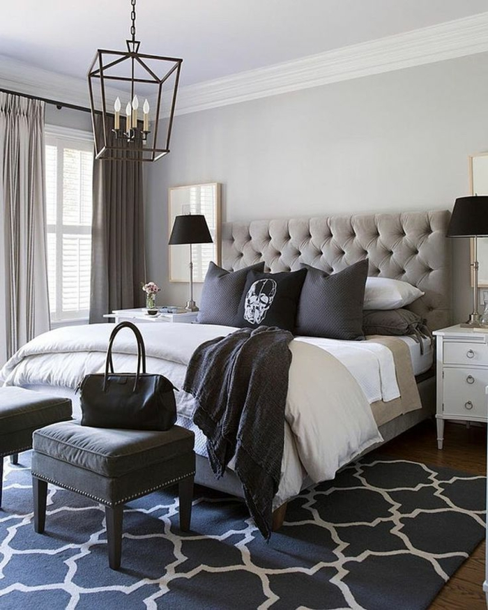 déco chambre gris et blanc, plafonnier lanterne suspendue, tabourets gris, chevets blancs