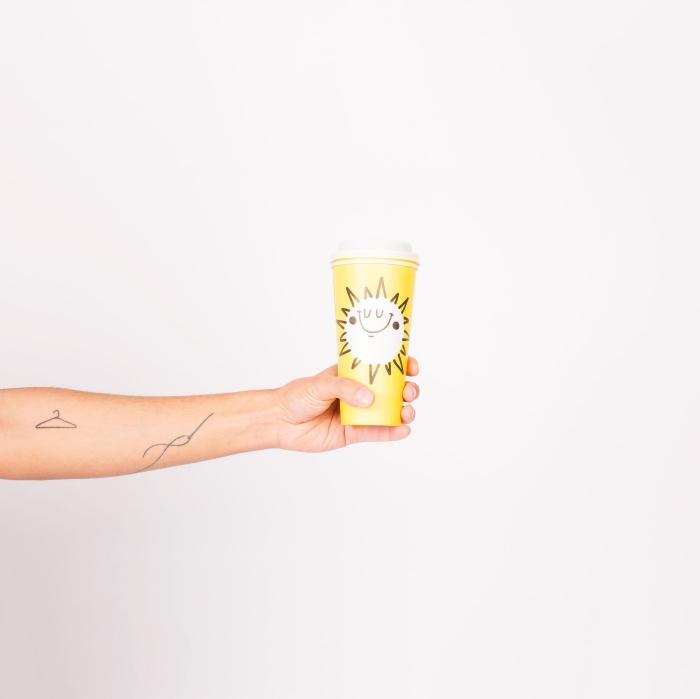 choix de tattoo original à design simple et plus discret, petit tatouage d'esprit abstrait pour homme et femme