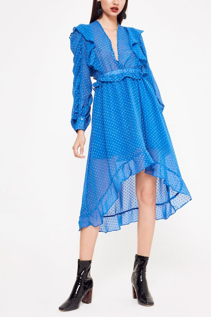 Quelle robe choisir à porter pour quel mariage thématique tenue habillée bleu robe courte devant longue derriere