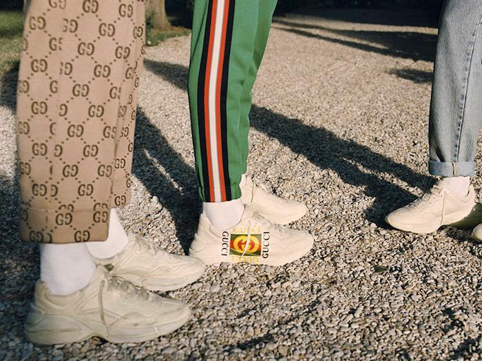 photo basket mode 2018 Gucci Rhyton avec logo et survetement et exemple oufit