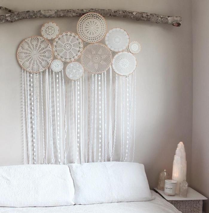 La d co t te de lit en plusieurs id es de bricolage g niales que vous pouvez r aliser par vous - Tete de lit table de nuit ...