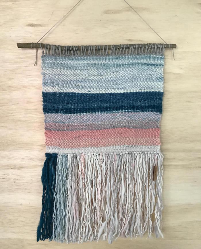 photo idée tissage de macramé tissé couleurs dégradé bleu rose style perou