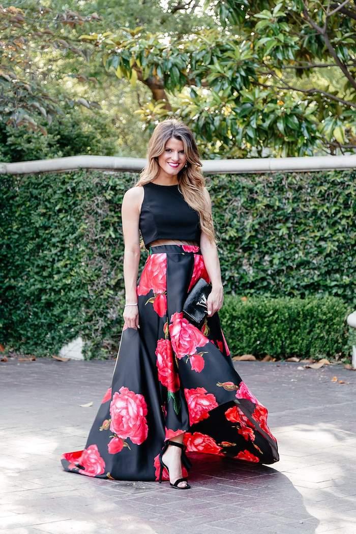 Invitée à un mariage tenue robe de soirée pour mariage image femme longue jupe fleurie
