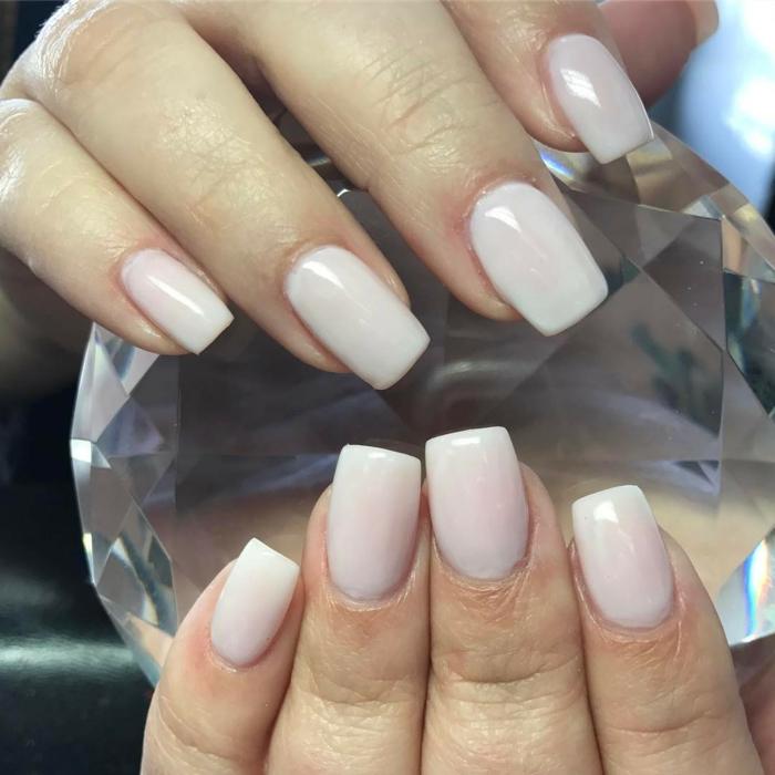 ongle rose pale pour le mariage, déco ongles carrés, nail art créatif et simple semi permanent