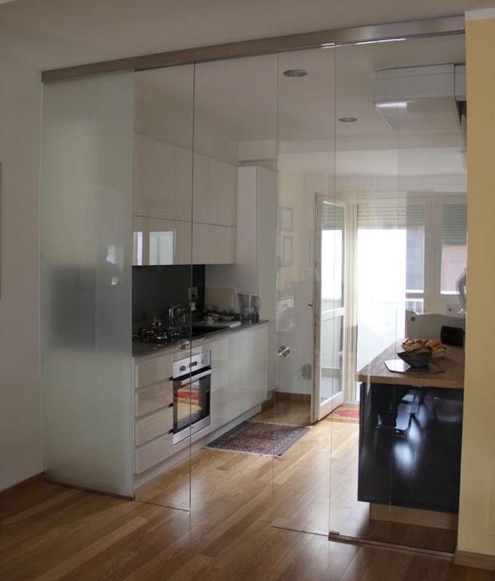 verrière cuisine coulissante pour séparer le séjour en gardant la luminosité