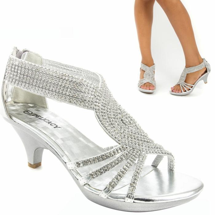 chaussure mariage femme, talon bas épais, pierres brillantes sur toutes les bandes de la chaussure, fermeture éclair sur la parties postérieure de la chaussure