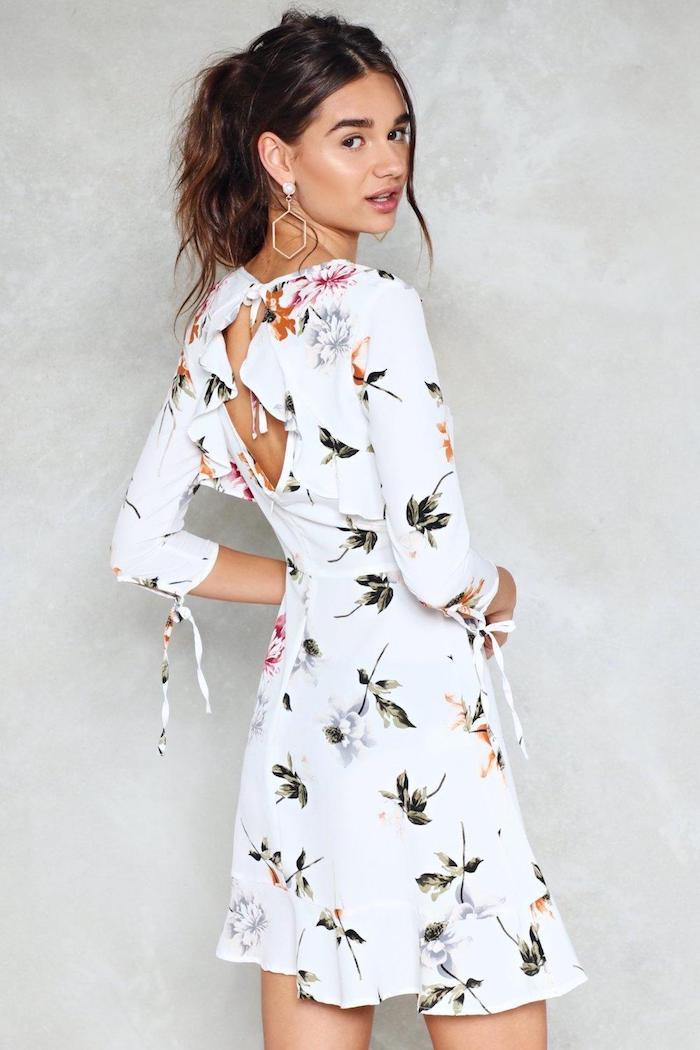 Cool idée robe légère été 2018 tendance robe droite fluide cool idée comment s'habiller pour l'été robe blanche fleurie avec manche mi longue