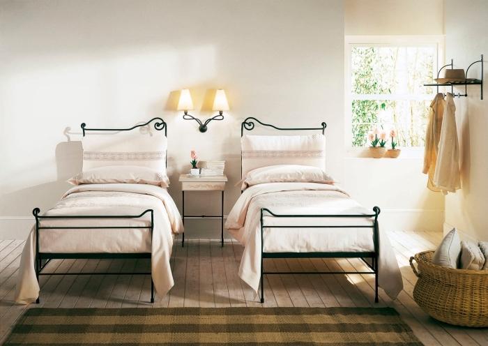 magnifique d coration murale en fer design 68 cr ations en m tal pour chaque go t obsigen. Black Bedroom Furniture Sets. Home Design Ideas