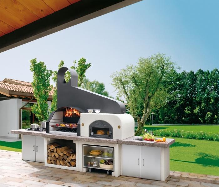 modèle de petite cuisine aménagée dans le jardin avec armoires et évier extérieur, idée meuble de rangement ouvert
