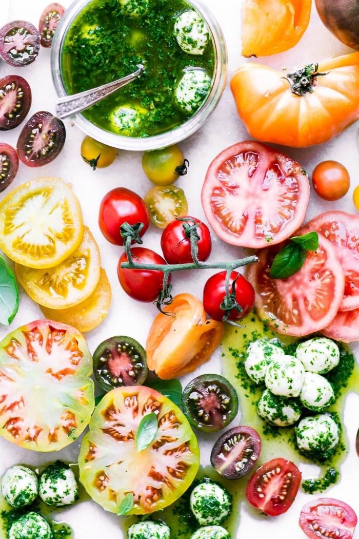 recette salade d'été de mozzarella marinée et des légumes de saison idéale pour un apéro dînatoire entre amis